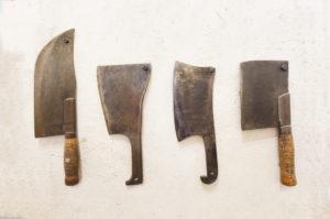 photodune-10126144-old-cutting-tools-m